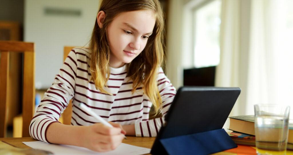 Kind macht onlinekurs