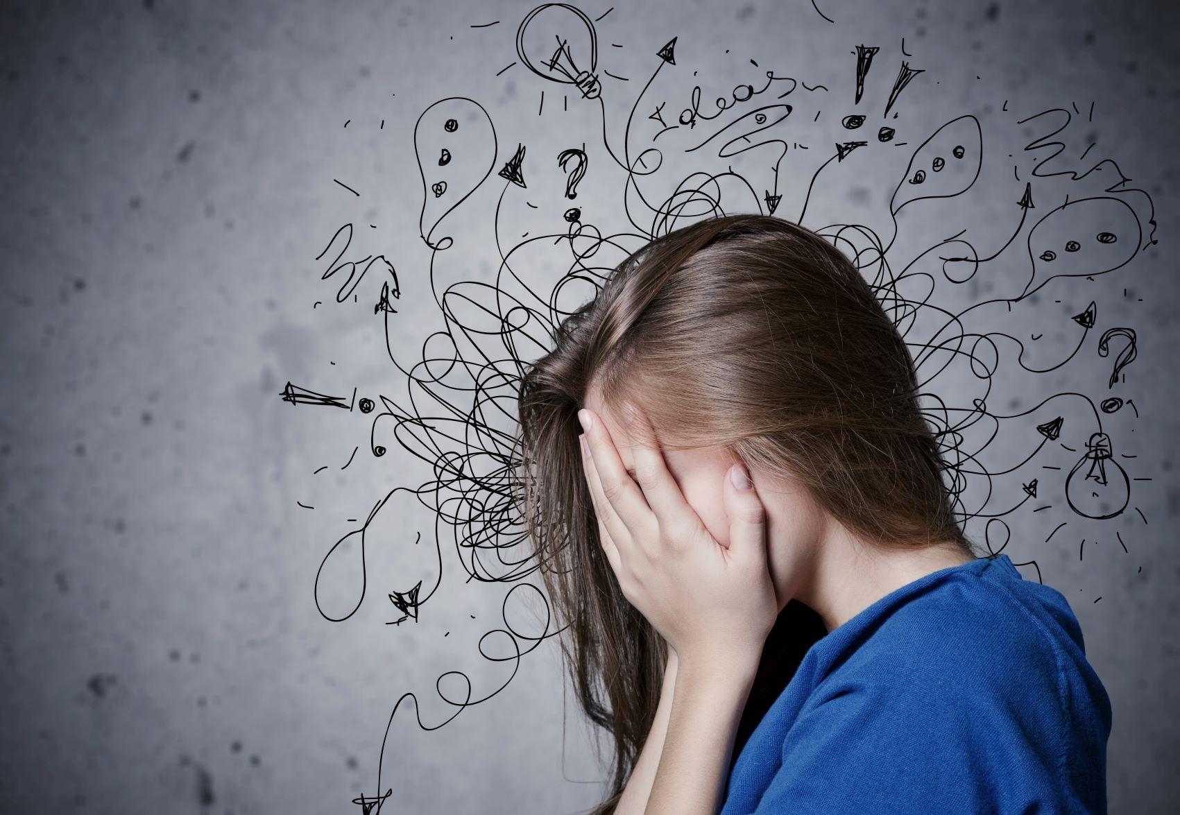 Kind mit chaotischen Gedanken
